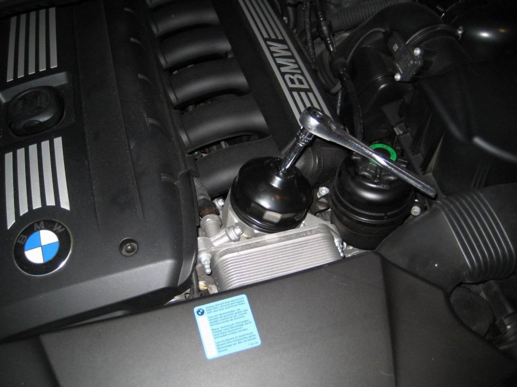 Wrench and filter adapter on my BMW X3 E83 3.0 SI