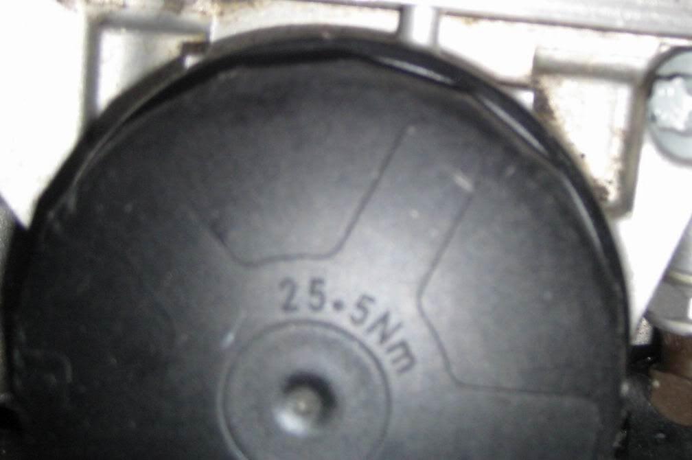BMW X3 oil cap
